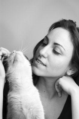Kedinizin Sizi Sevdiğini Gösteren 10 Hareketi